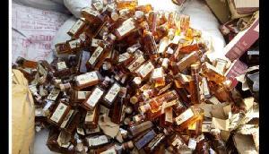तस्करी कर ले जाई जा रही 49 पेटी अवैध शराब बरामद