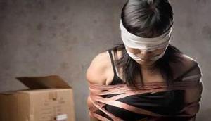अंतरराष्ट्रीय तस्कर गिरोह छुड़ाई गईं मणिपुर की लड़कियां वापस घर पहुंची