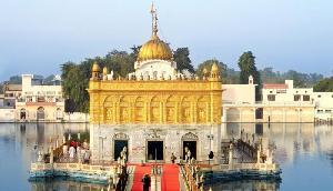 देखने में स्वर्ण मंदिर के जैसा है यह मंदिर, जहां होती है मां दुर्गा की आराधना