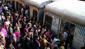 अब बिना पैसे दिए बुक करें रेल का टिकट, जानिए कैसे उठाएं इस सुविधा का फायदा