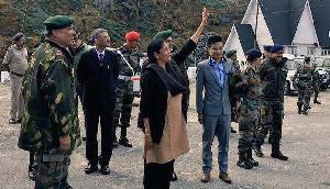 रक्षामंत्री ने किया नाथुला बॉर्डर का दौरा, चीनी सैनिकों ने किया ऐसा काम
