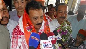 असम की दिवाली में इस बार स्थानीय कारीगरों ने बनाया सांसद के नाम का बम