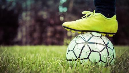 FIFA: पूर्वोत्तर सहित कई राज्यों में फुटबॉल बाजार में उछाल, कारोबारियों की चांदी