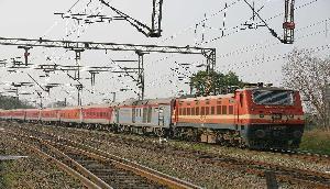 देर से चलने का सिलसिला हुआ कम, गुवाहाटी और डिब्रूगढ़ जाने वाली ट्रेनों की चाल में सुधार