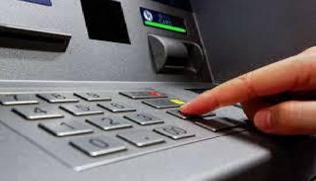 पुलिस का सिरदर्द बने चोर,  शातिराना अंदाज में ATM से की लाखों की चाेरी