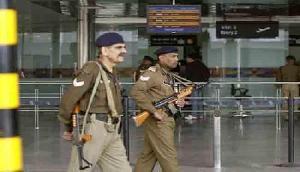 हवाई अड्डों की बढ़ाई गई सुरक्षा,  एलर्ट जारी