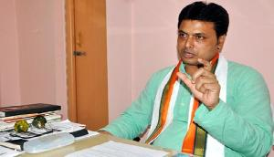 त्रिपुरा के मुख्यमंत्री की इंटरनेट पर उड़ रही खिल्ली, पूछा: द्रौपदी का पसंदीदा स्नैपचेट फिल्टर क्या था ?