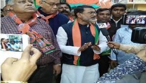 त्रिपुरा: समर्थकों को लेकर विधायक आधी रात हेडमास्टर के घर में घुसा