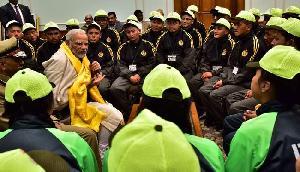 सिक्किम, लद्दाख के बच्चों से मिले PM मोदी,जानिए क्या हुई बात