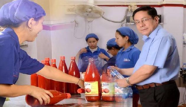 मणिपुर- चार लोगों के साथ शुरू की कंपनी आज कमाते हैं 15 करोड़ सालाना