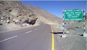 चीन को करारा जवाब, अरुणाचल सीमा पर भारत ने बनाई सड़क