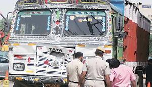 पुलिस ने पकड़ा अवैध लकड़ी से लदा ट्रक, मिजोरम से जा रहा था गुवाहाटी