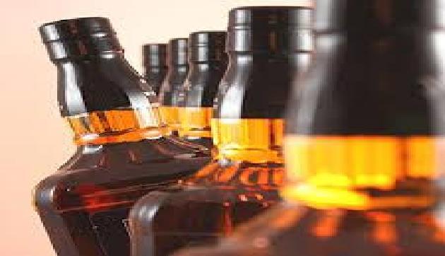 अरुणाचल की अवैध शराब के साथ पांच आरोपी गिरफ्तार