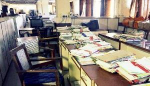 मणिपुर में सरकारी कर्मचारियों की हड़ताल जारी, मांगी वेतन वृद्धि की समय सीमा