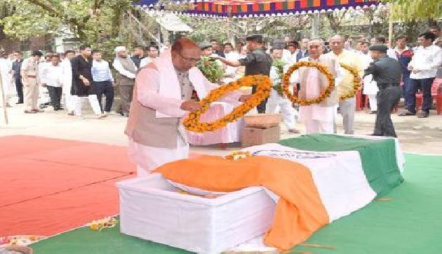मणिपुर के पूर्व सीएम आरके दोरेंद्र सिंह का निधन, इंफाल में हुआ अंतिम संस्कार