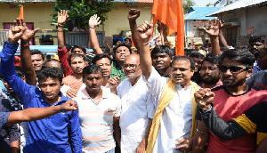 बजरंग दल और वीएचपी ने दी थी BJP  के मुख्यमंत्री को धमकी