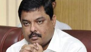 असम विधानसभा में खुलासा,  8 विधायकों आैर सांसदों पर भ्रष्टाचार का केस