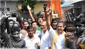 'देश नहीं बांटने देंगे, गाय नहीं काटने देंगे' नारे के साथ त्रिपुरा में VHP और बजरंग दल ने निकाली रैली