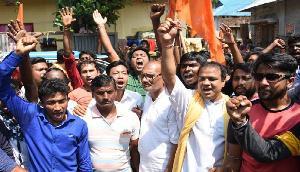 त्रिपुरा में बजरंग दल और वीएचपी के समर्थकों ने मुसलमानों को धमकाया