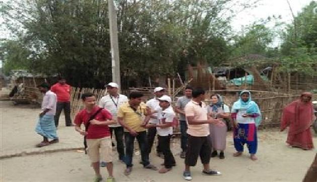 मेघालय से पहुंची टीम बिहार के ग्रामीणों को दे रही है स्वच्छता का संदेश