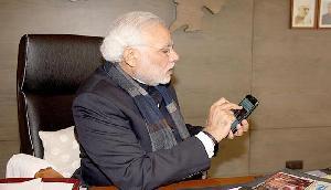 मोदी ने अपने निजी मोबाइल से किया फोन, त्रिपुरा के विधायकों को दी 'विशेष' सलाह