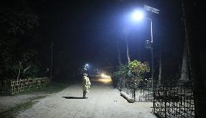 आजादी के बाद से अंधेरे में था यह गांव,IIT गुवाहाटी ने किया रोशन