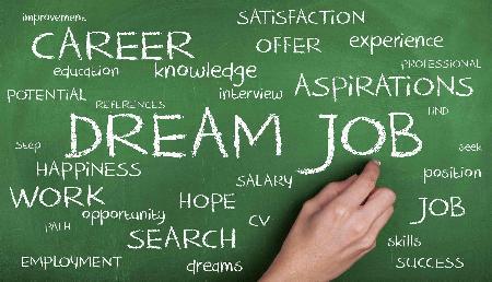 Job Alert: LIC में 8,000 पदों पर हो रही भर्ती, ऐसे करें अप्लाई