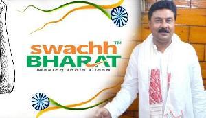असम : रंजीत दास ने शुरू किया स्वच्छ भारत पर्व, शौचालय निर्माण के लिए दी राशि