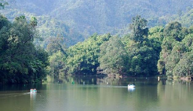 प्रकृति के बीच लेना है बोटिंग का मजा तो करिए अरुणाचल के गंगा झील का रुख
