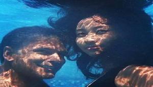 मिलिंद सोमन और अंकिता का अंडर वॉटर रोमांस, तस्वीरों से आपको भी हो जाएगा प्यार