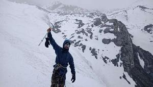 बर्फीले तूफान के बीच इस युवा पर्वतारोही ने आरूणाचल के वर्जिन पीक पर लहराया तिरंगा