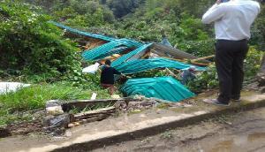 मेघालय में तूफान के बाद तबाही का मंजर, बयां कर रही है तस्वीरें