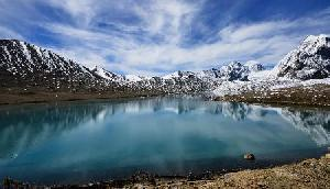 17,000 फुट ऊंचाई पर है  sikkim का यह लेक, आकर रोमांच से भर जाएंगे आप