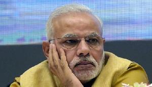 कर्नाटक ही नहीं इस राज्य में भी बुरी तरफ फंसी भाजपा, बुलानी पड़ी आपात बैठक, राष्ट्रीय महासचिव भी पहुंचे