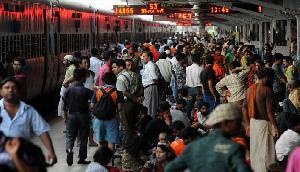 ट्रेन से सफर करने वाले यात्रियों को रेलवे ने दिया बड़ा झटका