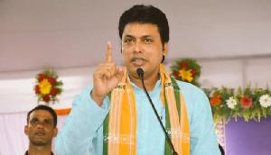 देब ने किया दीपा का गुणगान, केंद्र से की जिम्नास्ट सुविधाआें में सुधार की मांग की