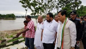 लोगों को मिल रही है बाढ़ से राहत, सोनोवाल ने किया कछार जिले का दौरा