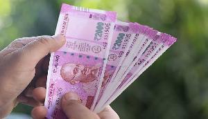 75 रुपए से शुरू करें LIC की ये खास पॉलिसी, नहीं रहेगी पैसों की टेंशन, हो जाएंगे मालामाल