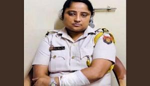 सिलचर एयरपोर्ट पर महिला कॉन्स्टेबल से भिड़ीं TMC नेता, Video हुआ वायरल