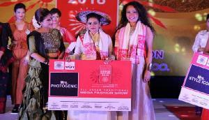 सुमन झा के सर पर सजा मिसेज असम 2018 का ताज