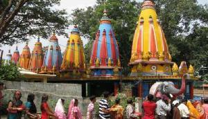 इस मंदिर में करते हैं बिना सिर वाली देवी की पूजा, उमड़ती है भक्तों की भीड़