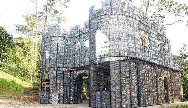 Plastic के 14000 बोतलों से बना दिया आलीशान घर, 120 घर बनाने का है लक्ष्य