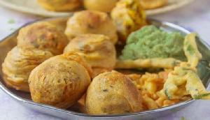 नवरात्रि 2018: उपवास में बनाएं 'चटपटा आलू बड़ा', मिनटों में मिटेगी आपकी भूख