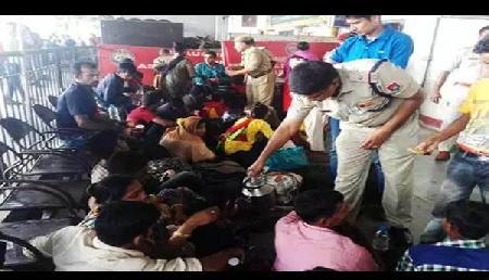 पुलिस के हत्थे चढ़े 31 बांग्लादेशी, भारत में पिछले तीन साल से कर रहे थे ऐसा काम