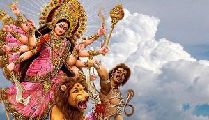 दशहरे पर करें इस मंत्र से देवी की पूजा, किस्मत खुलने के साथ मिलेगी अपार सफलता!