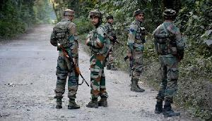 खूंखार उग्रवादियों ने चार घंटे तक सेना और पुलिस पर की गोलीबारी, सर्च ऑपरेशन जारी