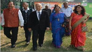 रक्षा खरीद पर आरोप देश के लिए घातक : योगेंद्र नारायण