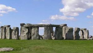 4 हजार साल पहले 20 मील दूर से लाए गए 25 टन वजनी पत्थर