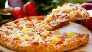 महिला ने ऑर्डर किया पिज्जा और बचाई अपनी जान, जानिए पूरा मामला