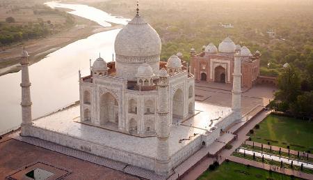सिर्फ आगरा ही नहीं भारत में और भी हैं 'ताजमहल', देखें वीडियाे